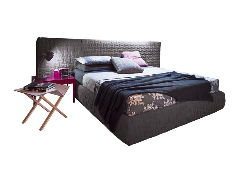 łóżko z tapicerowanym zagłówkiem (1)